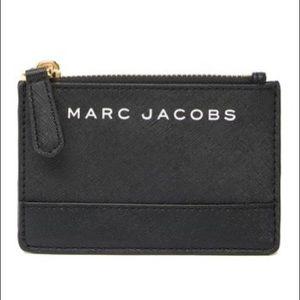 Marc Jacobs Saffiano Top Zip Wallet